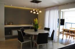 Mesa de jantar com terraço